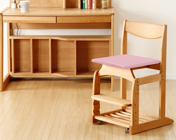 木のぬくもりがあり使いやすい学習椅子・学習チェア(ピンク)_詳細02