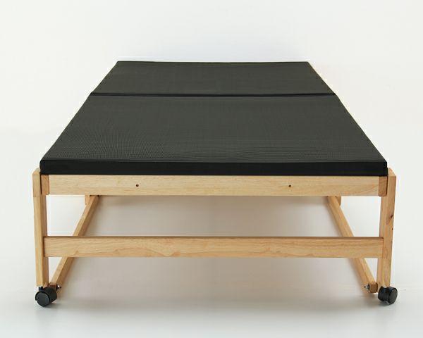出し入れ簡単!折り畳みが驚くほど軽くてスムーズな炭入り折りたたみベッド 畳ベッドシングルハイタイプ_詳細03